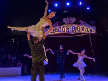 Circus Royale-123