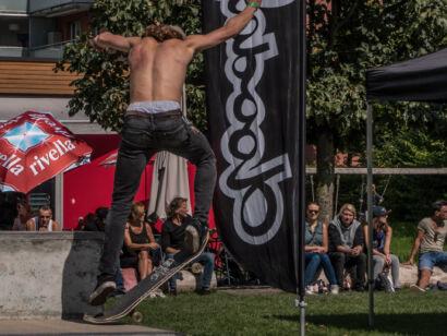 skateboard-1241-2