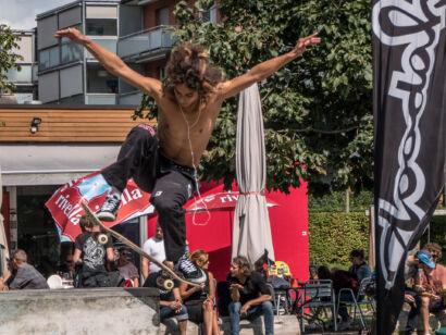 skateboard-1563-2