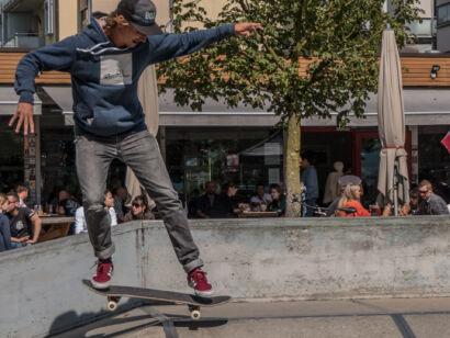 skateboard-1676-2