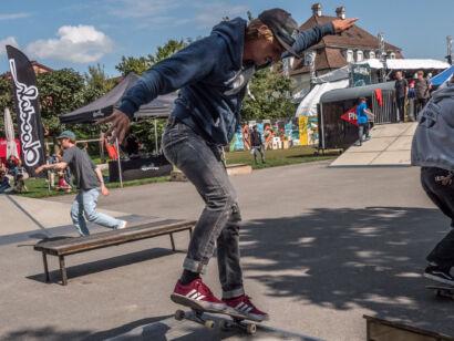 skateboard-1701-2