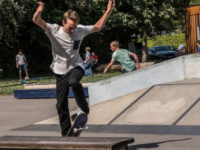 skateboard-1944-2