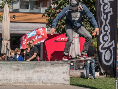 skateboard-2353-2