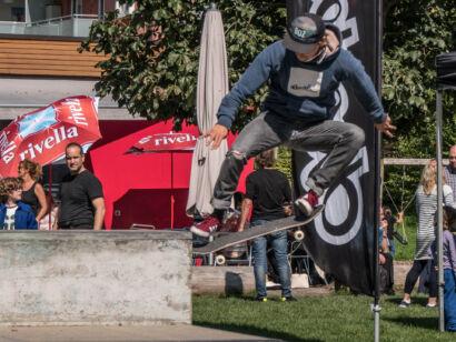 skateboard-2351-2